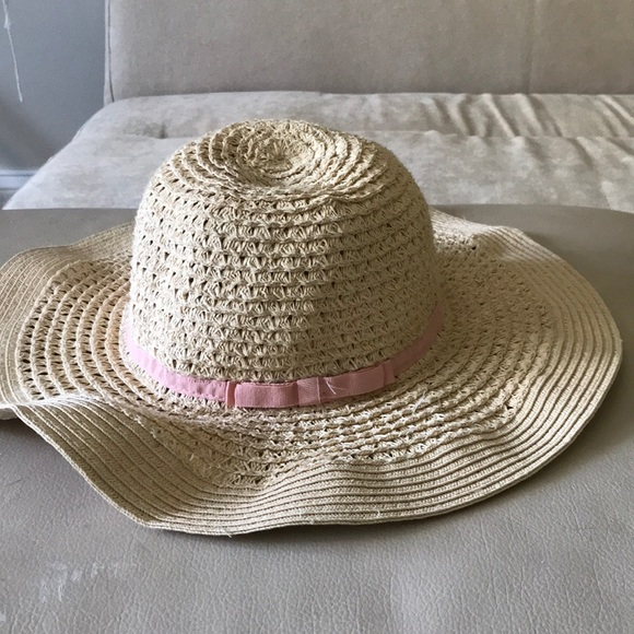 10999fa56 Old navy straw sun hat (bundle to save on shipping